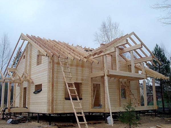 C mo se sujetan las caba as de madera casas prefabricadas - Estructura casa de madera ...