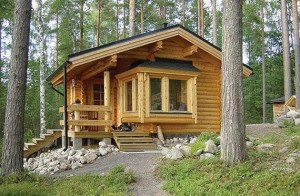 Cabaña madera en la montaña
