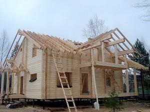 Construcción y sujeción cabañas de madera